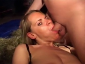 Piss: Swallowing Whore Isabelle 2