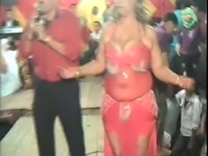 HOT ARAB DANCE 19