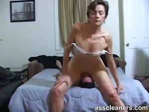 Young boy is hungry over an oldie mistress' dirty ass hole
