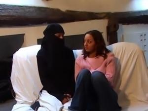 Virgin arab girl trying lesbian ... free