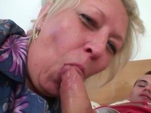 Horny blonde granny doggy style fuck