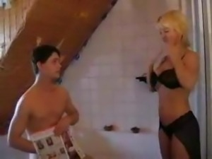 Young boy fucked in bath a blonde woman with big tits