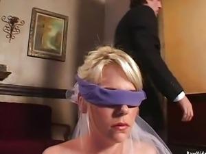 Slutty bride gives double blowjob