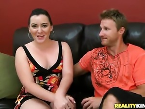 Brunette tart with round ass and trimmed snatch makes man happy by sucking...