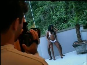 brazilian babe takes a private session