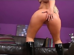 Naughty blonde Defrancesca Gallardo needs a sybian to ram her hungry vagina...