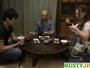 Mako Oda busty is screwed with dildo