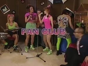 Wannabe Teenie Popstars go sex crazy