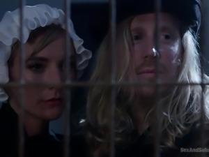 weirdos watch a slave gets tortured