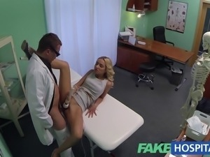 FakeHospital Hot sales girl uses her tight pussy to close a deal