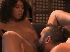 Ebonybabe clit licked sensually