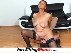 Perverted czech gilf Linda facesitting and bushy pussy