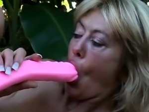 Pregnant Girl Gets Arse Licking
