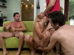 David Perry makes Unbelievably hot kitty Ivana Sugar gag on his beefy cock...