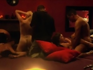 Swinger couples addicted to swinging and become a resident