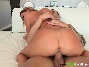 Teen amateur pussypounded by bigcock