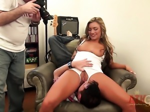 Blonde Cameron Dee tries her hardest to make hard dicked guy bust a nut with...