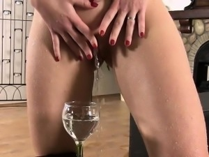 Gorgeous babe squirting piss