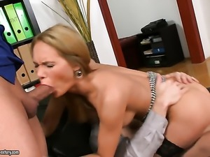 Blonde whore has the appetite for anal sex