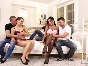 hot ladies get loose @ swingers orgies