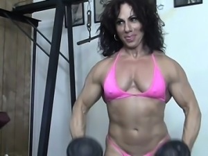 Annie Riveccio Likes Working Out
