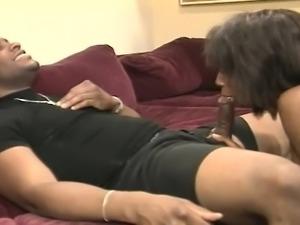 Enchanting ebony hooker gives a nice blowjob and then gets banged deep