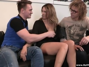 Her boyfriend is jealous because she never squirts when he fucks her