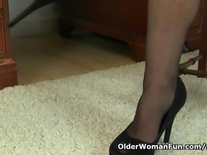British granny Savana still loves a hot masturbation session in stockings