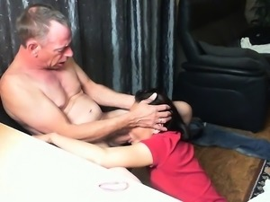 Cock-hungry starlet gets on her knees and swallows a jackha