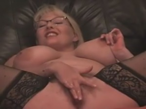 OMEGLE - big boobs squirting milf on webcam