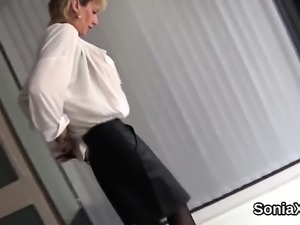 Unfaithful british milf lady sonia reveals her huge boobies