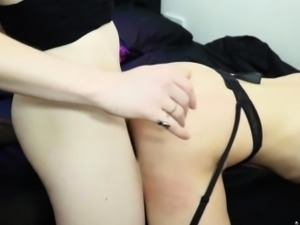 Naturaltitted tranny babes tapping ass