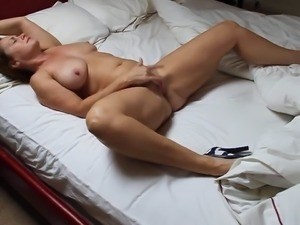 Mature Masturbate on Bed