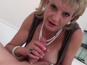 Unfaithful british mature lady sonia flashes her massive jug