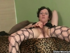 My favorite videos of hairy milf Artemisia Cougars, Hairy, Matures, Nylon,...