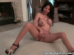 American granny April White works her old pussy with dildo