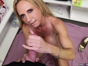Stacked blonde cougar Brooke Tyler milks a big dick and rubs her peach