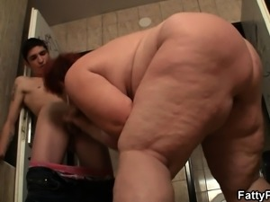 Super huge tits bitch fucked in the public restroom
