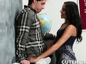 Troublemaking Chick Fucking After Class