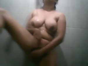 Sri Lankan Bathing girl part 2
