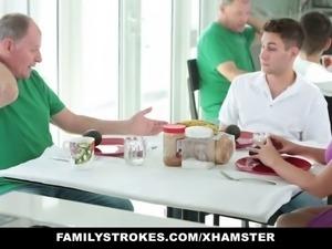 Family-strokes, Female-choice, Mom