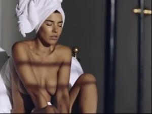 Frida Gold nackt im Video - danke an den Ersteller!