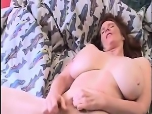 Housewife with twins hands that are huge her cunt