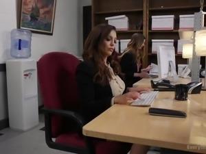 Anal Slut Talk makes Stella Cox a rising star at her sales company