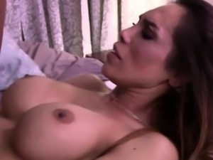 TS Sunday Valentina recieve a sperm