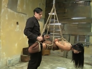 In this video, you can see how an instructor ties up naughty Marica in a hard...