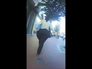 Super Wide African Phat Candid Booty (Reg. & Slo Mo)