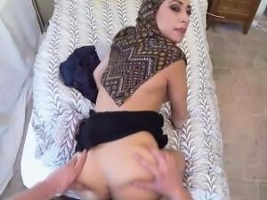 Gorgeous Arab slut got fucked by a horny boss