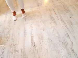 gf's sexy feet play,white socks,in public store