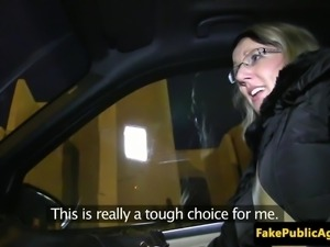 Amateur eurobabe nailed on cars tailgate